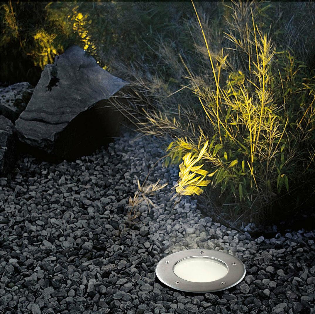 Kültéri lámpa talajba